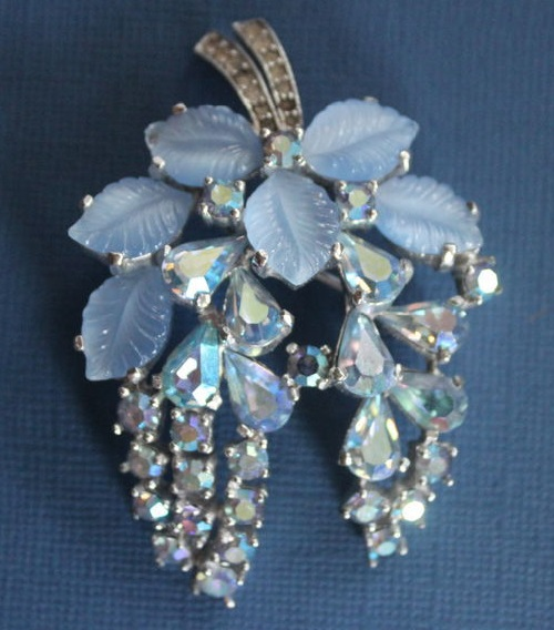Lovely vintage brooch from Jomaz