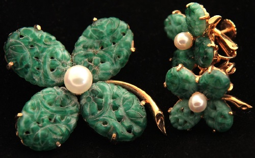 Brooch and clips, artificial pearl and Chinese glass. Marvella costume jewellery