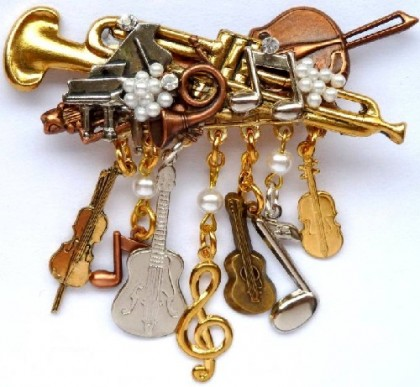A set of Musical instruments in jewellery