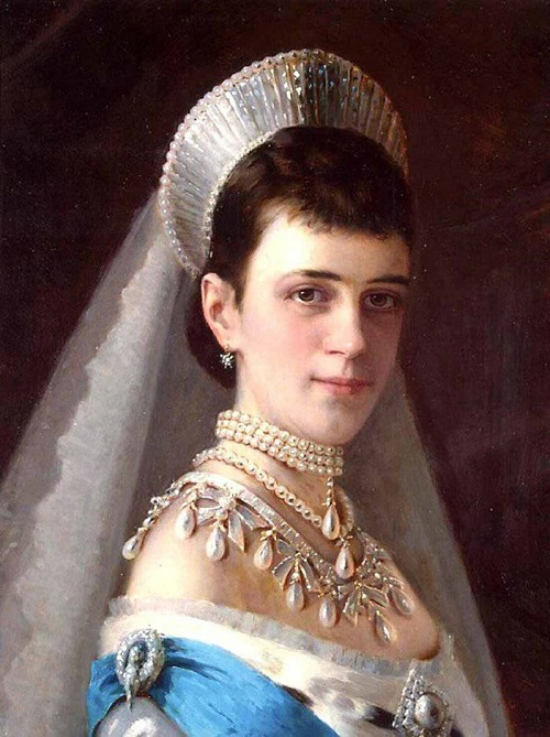 Portrait of Empress Maria Fyodorovna, the wife of Emperor Alexander III. Painting by Ivan Kramskoi
