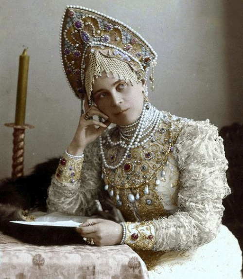 Princess Zinaida Yusupova at a costume ball in 1903. Russian folk costume decorated with pearl