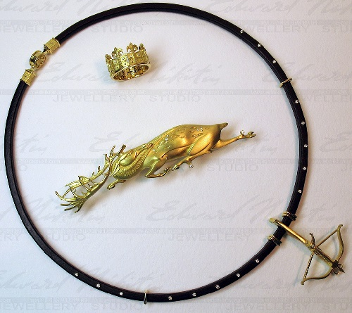 Royal Hunt jewellery set of necklace, brooch and ring