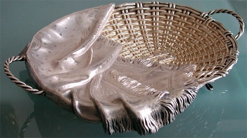 Russian Trompe l'oeil silver jewellery - Bread Basket and napkin. Jeweler Pavel Ovchinnikov 1873, Moscow