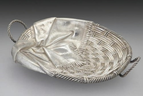 Russian Trompe l'oeil silver jewellery - Bread Basket and napkin. Jeweler Pavel Ovchinnikov 1879, Moscow
