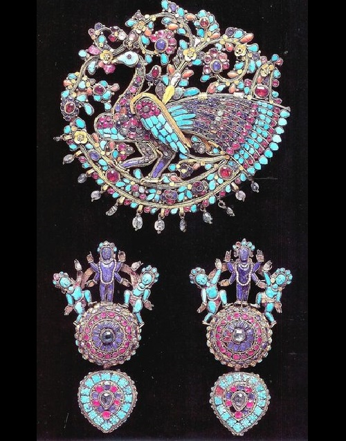Set of ceremonial jewelry, made of precious and semi precious stones, 17th-18th century, Nepal