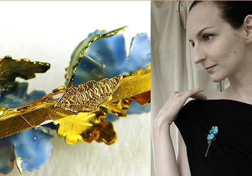 Vintage brooch by a rare brand Sandor. The alloy coated with yellow gold, colored enamel coating (hand-painted), insert - artificial pearls, 1960s