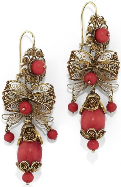 Filigree gold and coral earrings, 19th century