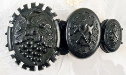 Vintage mourning jewellery