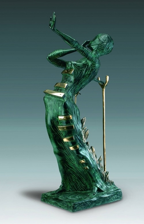 Woman on fire. Bronze patinated green. 1980