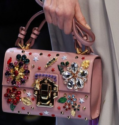 It's time to put your favorite brooches onto a bag