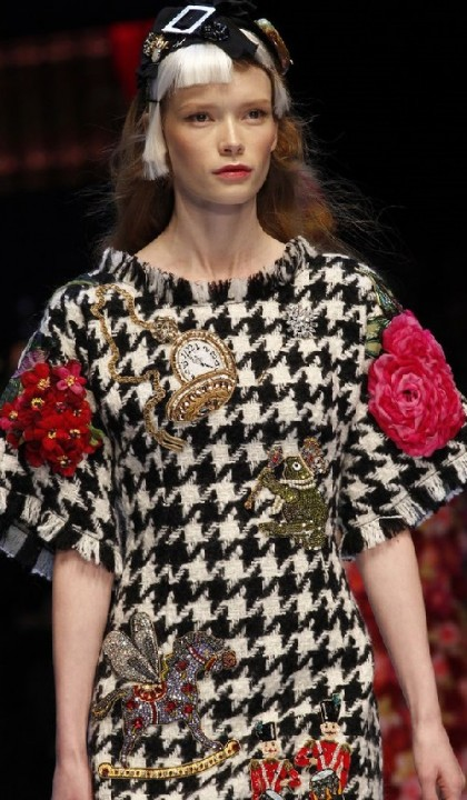 Gorgeous embroidery D&G F/W 2016-17