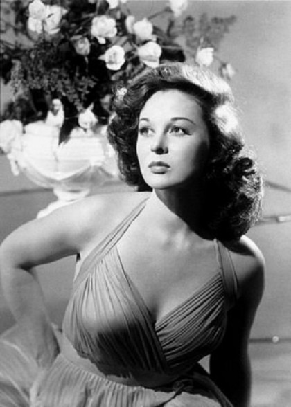 Stunning beauty, Susan Hayward