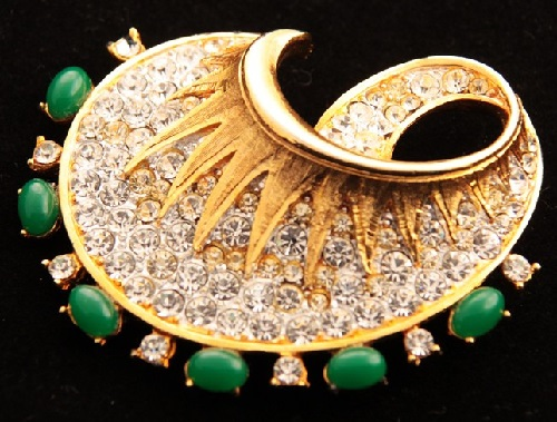 Capri bright brooch with crystals and green cabochon