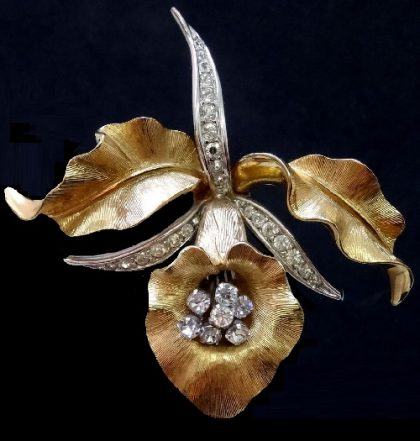 Boucher vintage brooch. Orchid inspired jewellery