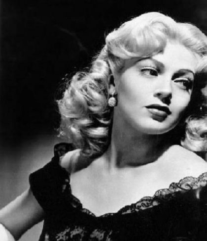 Beautiful blonde Lana Turner