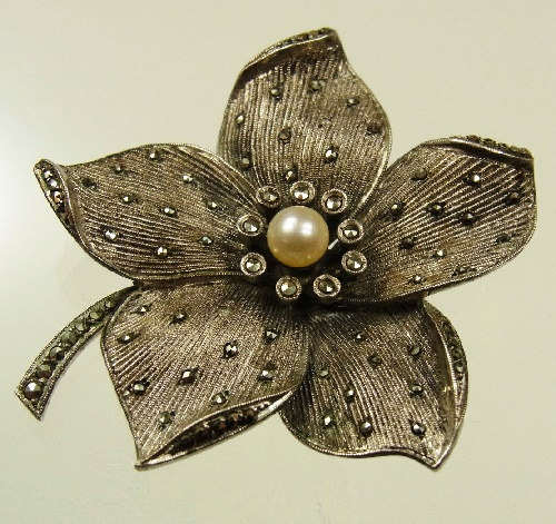 German Art Deco Theodore Fahrner jewellery silver brooch, marcasite, pearl. 1930s