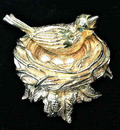Castlecliff vintage jewellery - brooch 'Bird in the nest'
