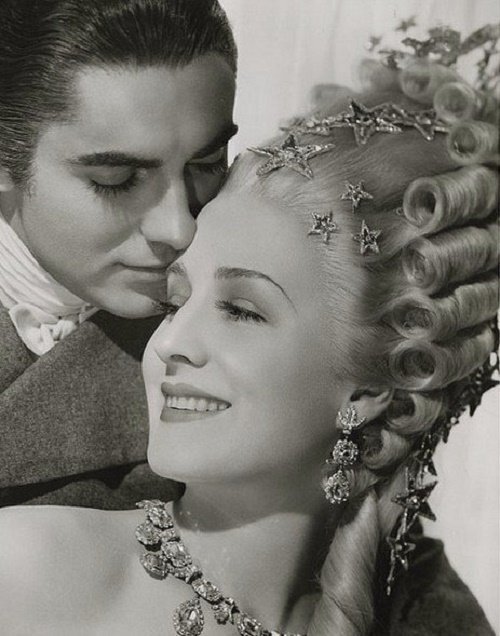 MGM Queen jewellery lover Norma Shearer