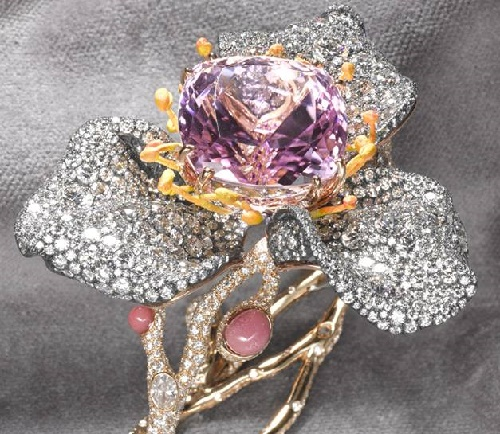 Hong Kong based Cindy Chao exquisite jewellery design