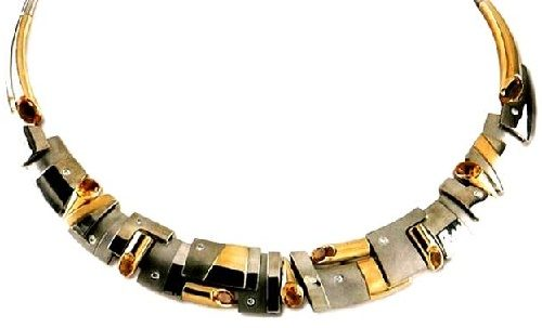 Chicago necklace. 2001. White and yellow gold, diamonds, citrines. 'Russian Gems', St. Petersburg. Author O. Pavlovich
