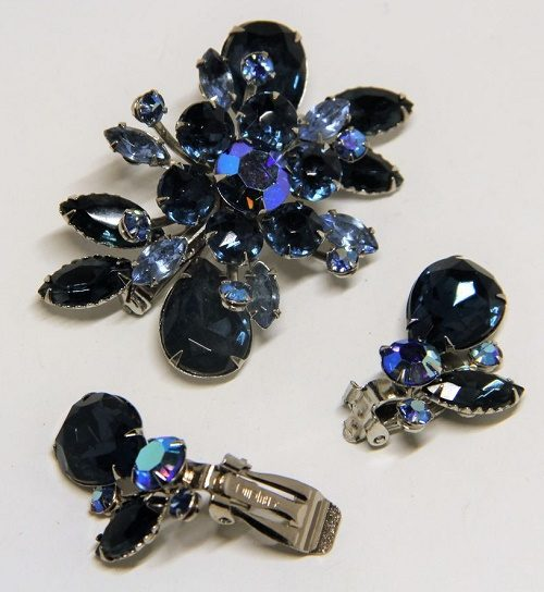 Dark blue rhinestone brooch and clips