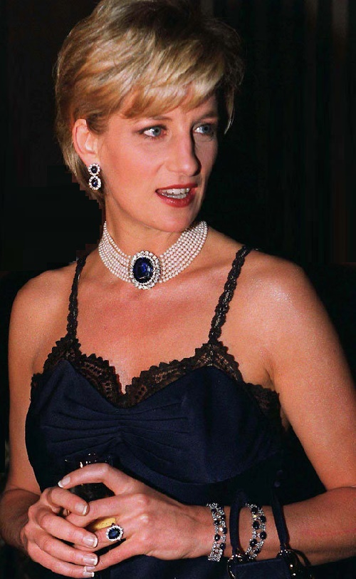 Sapphire and pearl choker necklace, Princess Diana. Eternally Fashionable Precious choker