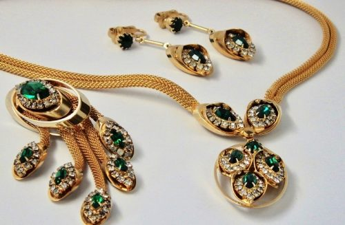 Demi-parure consisting of necklace, brooch and earrings