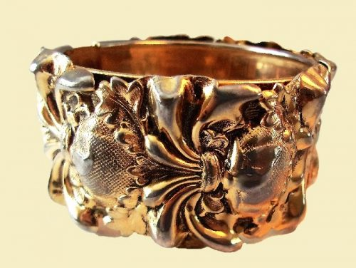 Engraving, volumetric decor bracelet, metal with antique gold coating. 1970s, circumference 17.75 cm. £ 35