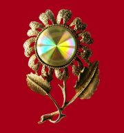 Flower brooch from the series Difffraction Jewels. £ 20 JJ