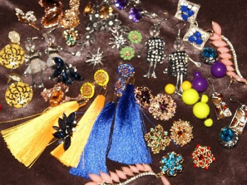 Undoubtedly, money spent on jewelry decorations never wasted