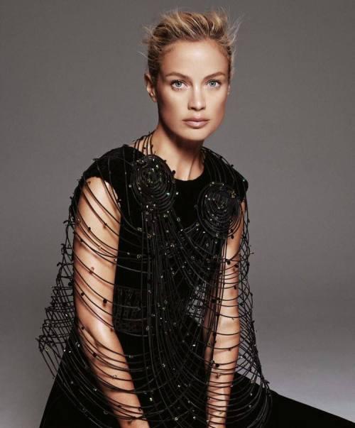 Carolyn Murphy by Paola Kudacki Porter Magazine Editorial Black Swan Fw 2014 Tiina Laakkonen
