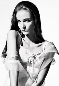 Green-eyed brunette Zuzanna Bijoch