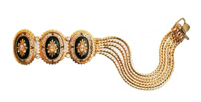 Black enamel bracelet. Gilded silver, transparent rhinestone. 1940s 17.75 cm £ 150-180 RG