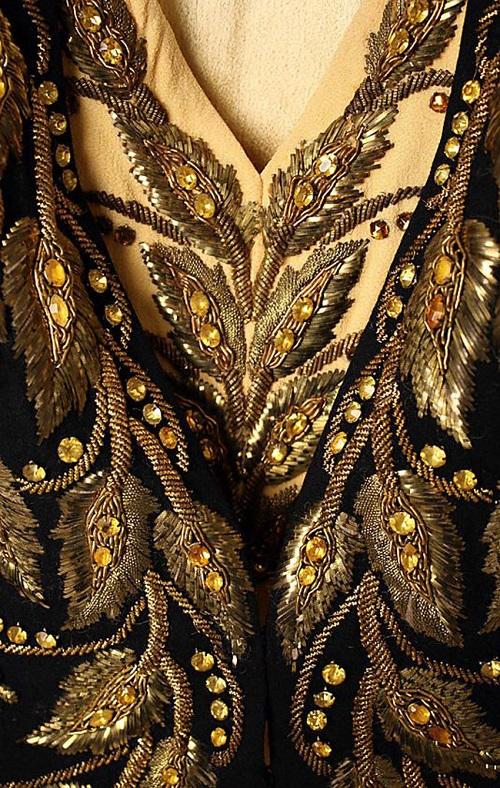 Elsa Schiaparelli embroidery