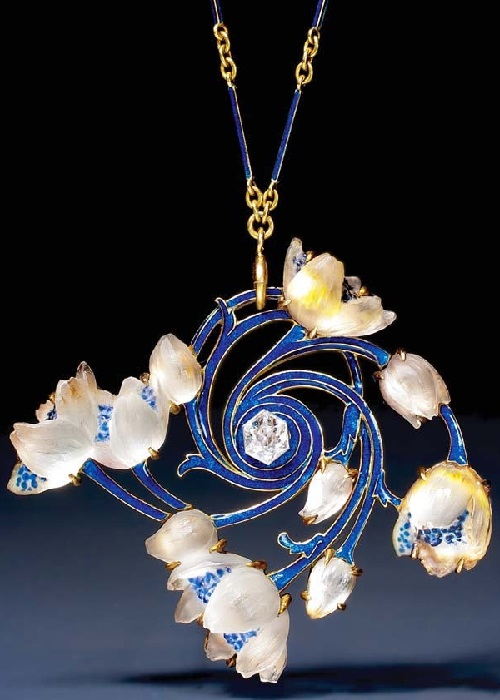 Lalique C1905, Art Nouveau Jewellery made in vitreous enamelling technique Plique-a-jour