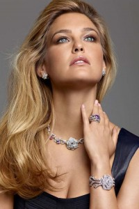 What can jewellery tell about its owner