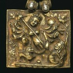 Durga killing Mahishasura, gold amulet box adorned with pearl