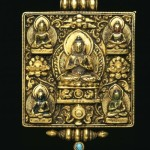 Exquisite amulet box. Gold repousse', turquoise