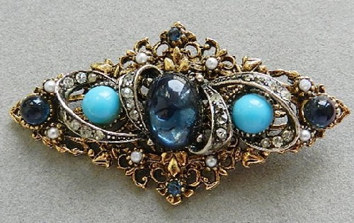 Classic Vintage brooch