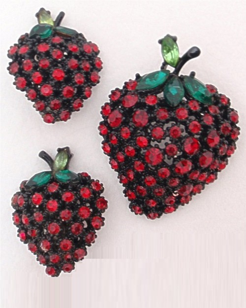 Strawberry brooch and clips