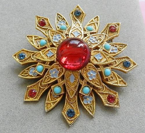 Red stone Vintage brooch