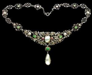 Arts & Crafts Necklace, ca. 1907. Gemstones, Silver, pink tourmaline, chrysoprase, emerald & pearl
