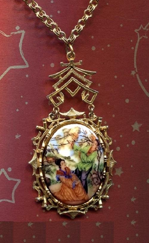 Japanese motif pendant