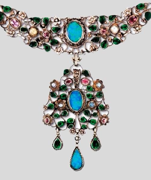 Arthur And Georgie Gaskin Jewellery Kaleidoscope Effect