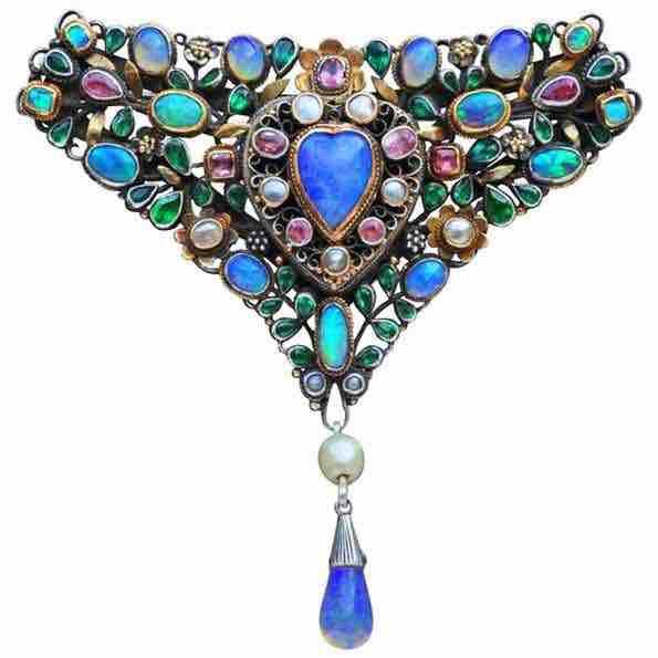 Blue heart Triangular Corsage Brooch, by Arthur and George Gaskin, United Kingdom, 1912