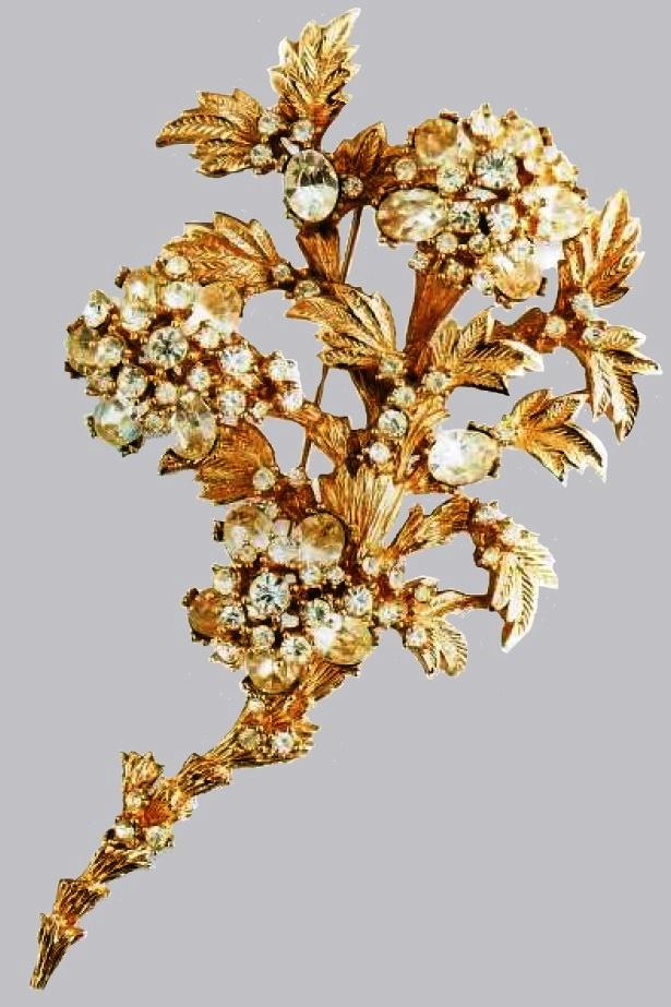 Exquisite brooch made of metal, transparent rhinestone. 1950's. 10 cm £ 100-150 CRIS