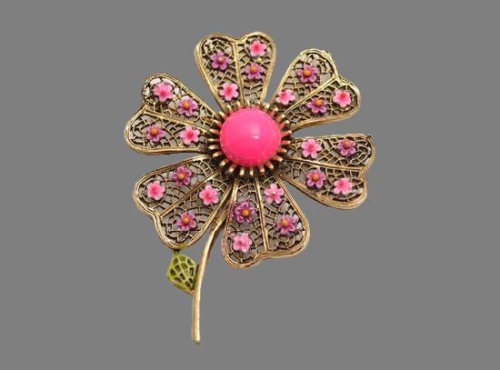 Pink flower 1960s brooch. Gold tone metal, filigree