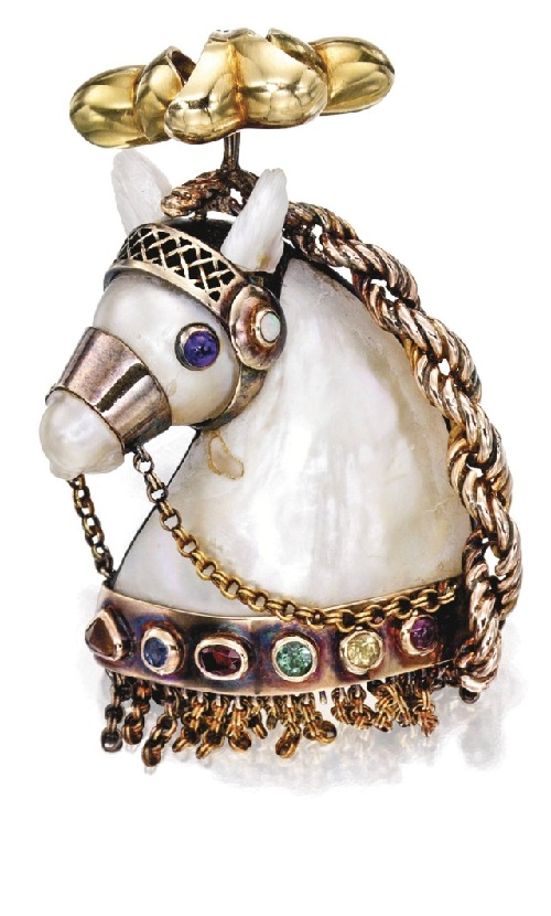 Plumed Horse' brooch