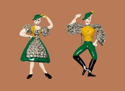 Dancers duette brooches. Coro. 1940