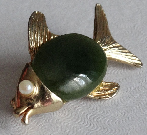 Fish brooch, jade and pearls